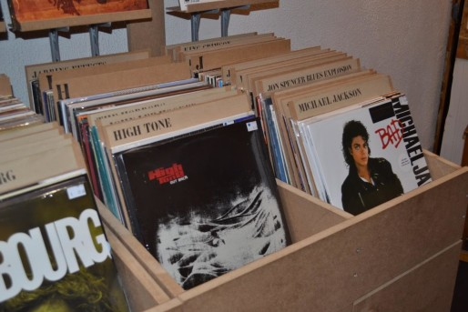 prostituee en vinyl. Black Bedroom Furniture Sets. Home Design Ideas