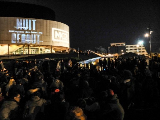 """Le film """"Merci Patron !"""" de François Ruffin a finalement été projeté sur les murs de la MC2 de Grenoble le samedi 9 avril. Crédit : V.G. / Rue89Lyon"""