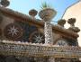 Le jardin Rosa Mir est composé de milliers de coquillages et pierre. Des plantes et fleurs de toutes sortes le magnifient.  ©Ville de Lyon