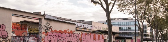 Le bâtiment l'Oblik dans lequel vivent les squatteurs ne passe pas inaperçu. Crédit : GC/Rue89Lyon.