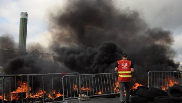 A Lyon, blocage du port Edouard Herriot, «votation citoyenne» et 12ème manif contre la loi travail