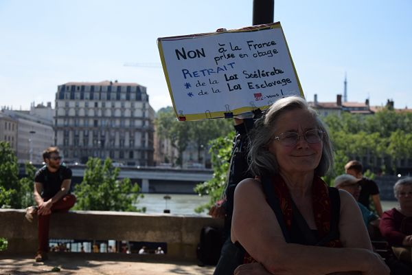 Une retraité en lutte contre la loi travail. ©SS Rue89 Lyon