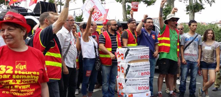 Un «petit noyau dur» manifeste pour la 15ème fois contre la loi travail à Lyon (et deux manifs sauvages)