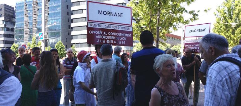 Nicolas Hulot interpellé sur le projet d'autoroute A45 entre Saint-Etienne et Lyon