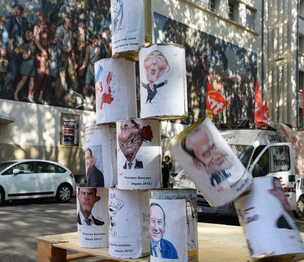 Un chamboule tout politique a été installé place guichard © SS/ Rue89 Lyon