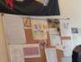 Des photos de la Milice française épinglées au mur du commissariat de Givors