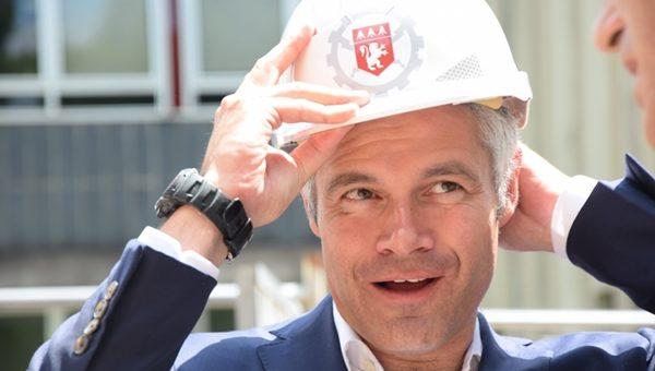 Avec la «préférence locale», Laurent Wauquiez devient shérif des chantiers de la Région