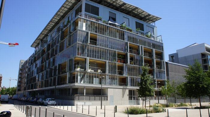 Un immeuble dans le nouveau quartier Confluence à Lyon. Crédit Romain Chevalier/Rue89Lyon