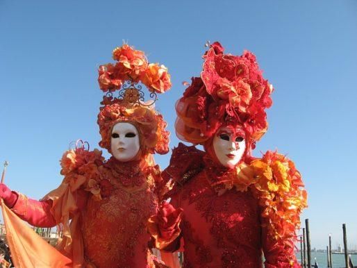Masques et costumes italiens. © CC