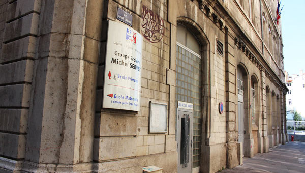 Pour sa rentrée, une école de Lyon nage en pleine pollution