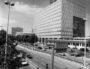 La Cité administrative d'Etat, dans le quartier de la Part-Dieu (Lyon). Photo CC, Marcos Quinones, 10 juin 1987, collections BML
