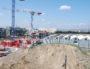 Le quartier de Carré de Soie en construction an août 2016, en arrière plan les grues du chantier du Biopôle à Villeurbanne. © BE/Rue89Lyon