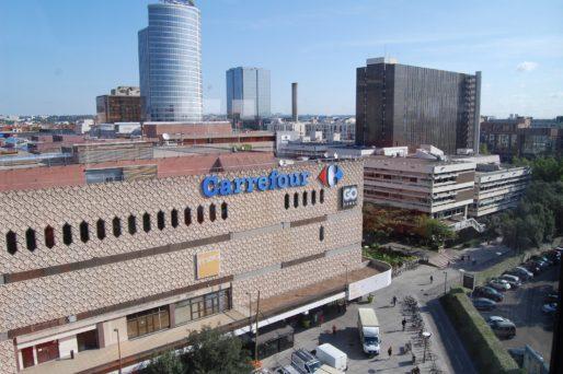 Vue du quartier de la Part-Dieu (centre commercial, bibliothèque municipale de Lyon, tour Oxygène) depuis l'immeuble Silex 1. © BE/Rue89Lyon