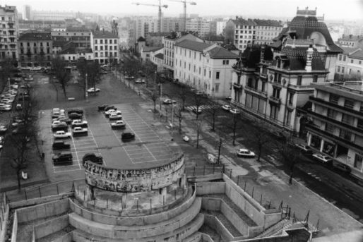 La place Ambroise-Courtois. Photo CC, Christian Bruchet, 3 mars 1987, collections BML