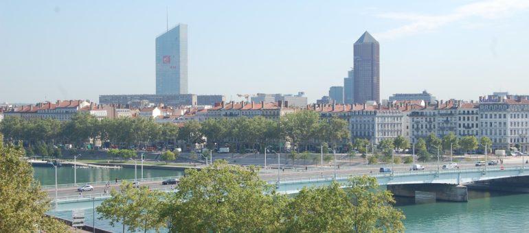 Gérard Collomb peut souffler, la métropole de Lyon a bien une taille européenne