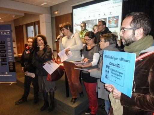 Lecture du texte de l'intersyndical CGT/FO/SUD lors de l'inauguration de la numothèque de Grenoble, ce mercredi 19 octobre 2016. Crédit : VG/Rue89Lyon