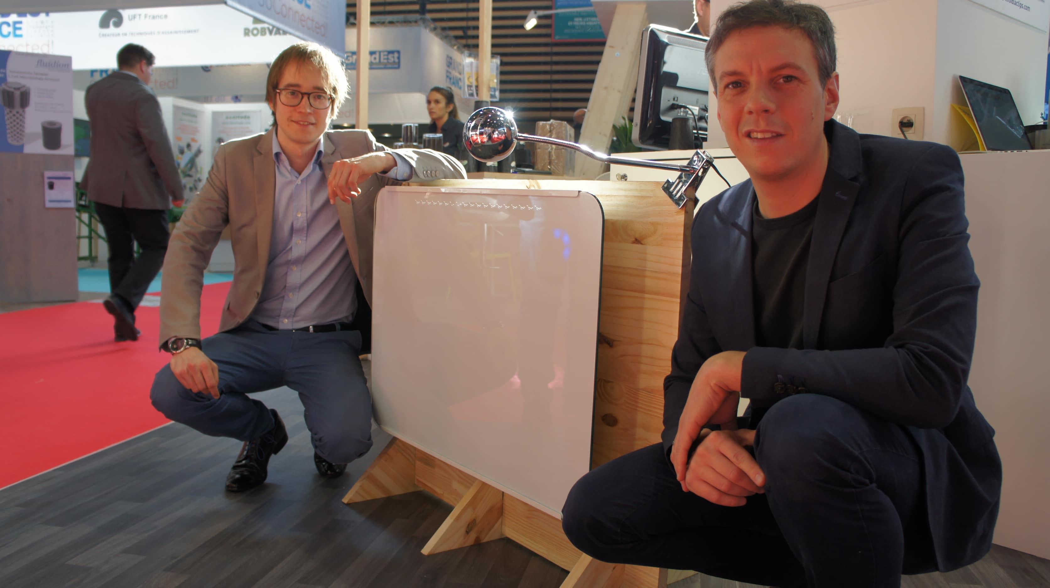Gilles Moreau (à droite) et Raphael Meyer, deux des créateurs du radiateur intelligent de Lancey.