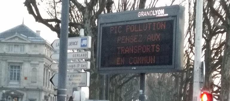 TCL : Faut-il arrêter la grève pendant un pic de pollution ?