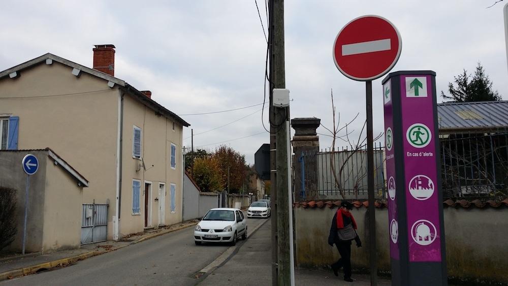 Quartier des Razes, des panneaux de signalisation pas comme les autres. ©LB/Rue89Lyon