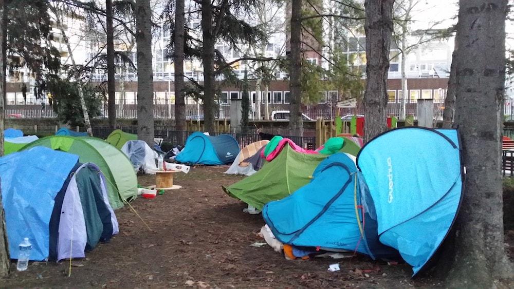 Une partie des tentes du square jugan le 13 janvier. ©LB/Rue89Lyon