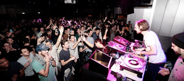 Label Night «Bordello a Parigi», de l'italo-disco au goût du jour au Sucre