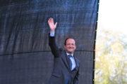 François Hollande qui fait coucou © Mathieu Delmestre Solfé Communications / by Flickr