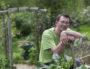 """Rob Hopkins, Co-fondateur de """"Totnes ville en transition"""" Transition Town Totnes et du réseau des Villes en transition photographié dans sa maison de Totnes, Devon ©Jim Wileman"""