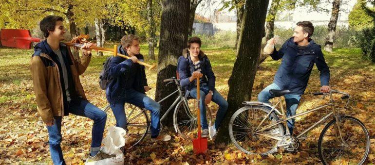 Semences : des étudiants lyonnais troquent des graines contre le gîte et le couvert