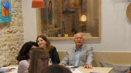 Sarah Peillon et Jean-Louis Touraine à l'Anticafé le mardi 16 mai 2017 lors de la présentation des candidats de la République En Marche ! aux élections législatives 2017. ©HH/Rue89Lyon
