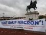 """La banderole dépliée """"Tout sauf Macron"""" dépliée mardi 2 mai à Lyon. ©LB/Rue89Lyon"""