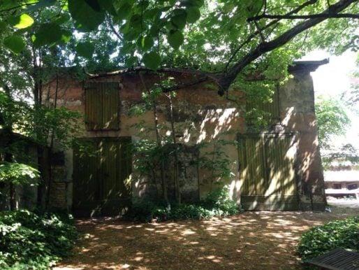 Anciens garages de la villa Monoyer dans le 3ème arr. de Lyon