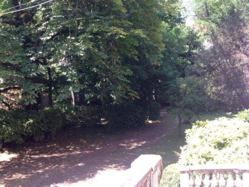 La villa Monoyer dans le 3ème arr. de Lyon vue des escaliers de l'entrée