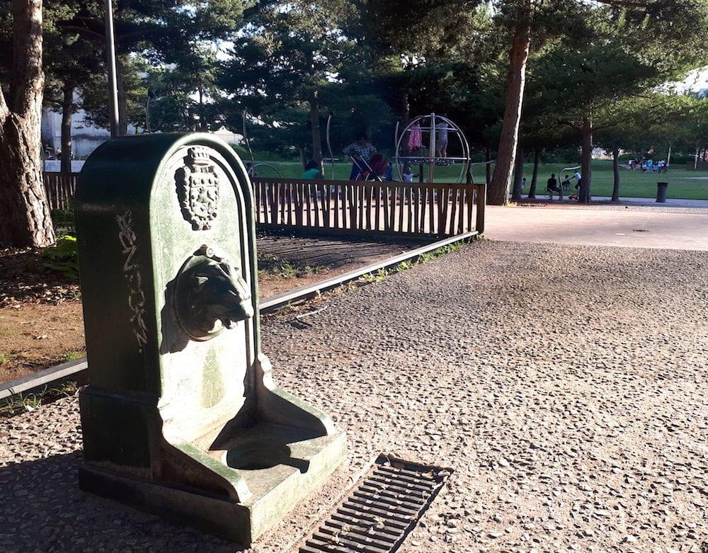 La fontaine publique à sec de l'esplanade Mandela. ©DR