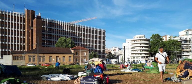 Niveau 3 du plan canicule activé à Lyon : « des familles en demande d'asile sont à la rue sans accès à l'eau »