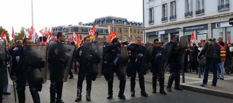 À Lyon, une manif contre la loi travail 2 immobile et bloquée