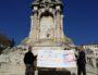 Le 18 octobre 2017, hommage à Auguste Burdeau par le Cercle Maurice Allard, devant le monument érigé en 1903 où il manque aujourd'hui la statue. ©LB/Rue89Lyon