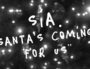 "Clip de ""Santa's coming for us"" de Sia. Capture d'écran Youtube"