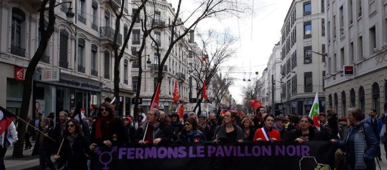 Extrême droite : environ 500 manifestants pour la fermeture du local Bastion social de Lyon