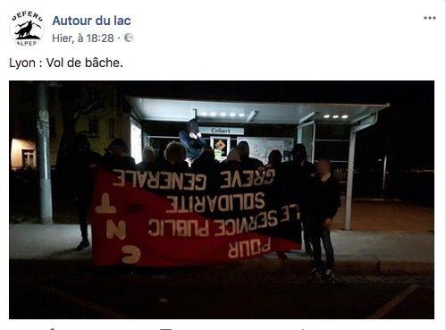 """La banderole volée photographiée place Colbert, à quelques centaines de mètres du local de la CNT. Capture d'écran du Facebook """"Autour du lac""""."""