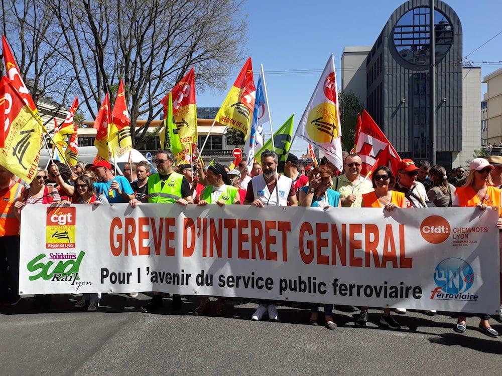 Ce 19 avril à Lyon, le cortège cheminots étaient, relativement aux autres, le plus étoffé. ©LB/Rue89Lyon