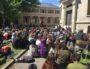 """Assemblée Générale dans le site de l'université Lyon 2 occupé contre la loi ORE et """"la sélection à l'université"""". Site des Berges du Rhône, le lundi 30 avril 2018."""
