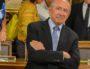 Gérard Collomb photographié lors de son dernier conseil municipal avant de rejoindre Paris et la place Beauvau en avril 2018. Il est depuis beaucoup revenu à Lyon ©Rue89Lyon