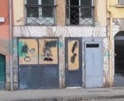 La façade du local du Bastion social le 2 mai, le lendemain d'une troisième attaque. ©DR