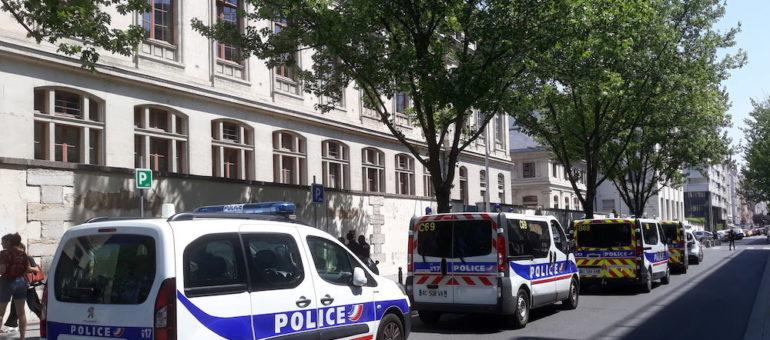 Université Lyon 2 : les examens sous surveillance policière