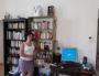 Fany Buy, dans son appartement où elle héberge Alsko depuis décembre dernier. ©LB/Rue89Lyon