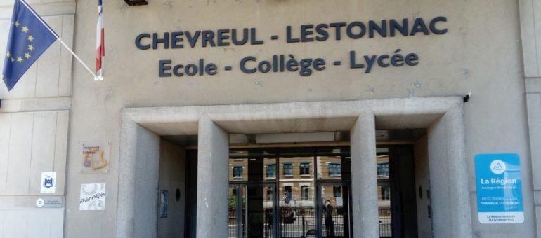 À Lyon, «ma fille n'a pas de lycée à la veille de la rentrée»