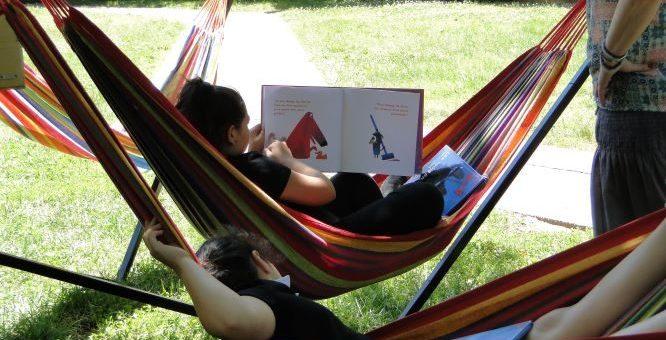 Une journée avec les lecteurs de la bibliothèque mobile du Tonkin, à Villeurbanne