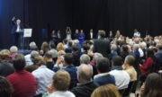 Pour ce meeting, les organisateurs ont annoncé 500 participants. La salle, presque pleine lors du discours de Gérard Collomb, ne comptait pourtant qu'environ 300 sièges. Crédit Alexis Demoment / Rue89Lyon.