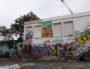 A la Croix-Rousse, une des façades de l'ancien collège Maurice Scève, devenu squat, entièrement couvertes de graffs à la suite d'un événement de street-art organisé il y a un an par le Petit Bulletin. ©LB/Rue89Lyon