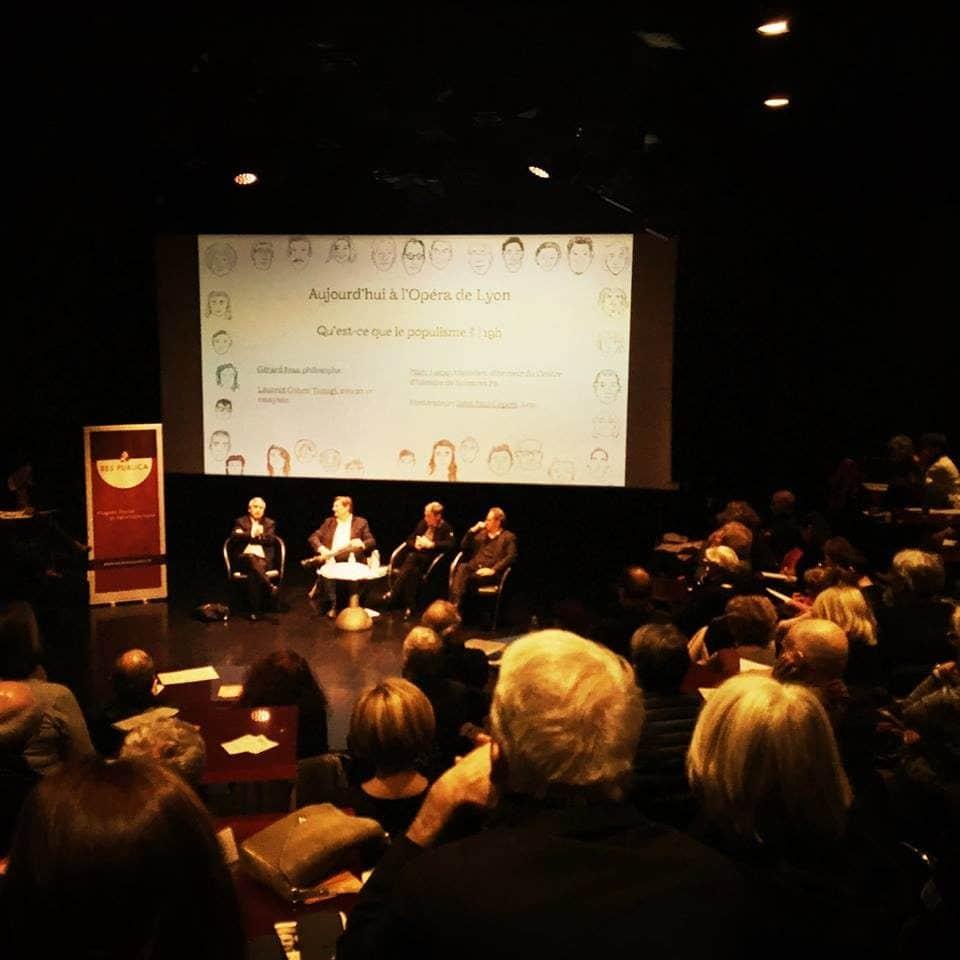 """Les invités de la conférence """"qu'est-ce que le populisme ?"""". De gauche à droite : Laurent Cohen-Tanigi, John-Paul Lepers, Gérard Bras, Marc Lazar ©Bertrand Gaudillère/Item"""
